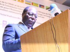 Le premier ministre Clément MOUAMBA prononçant le Discours d'ouverture de la Conférence
